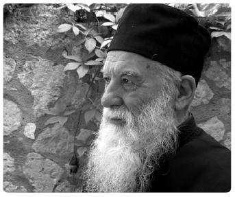 20 noiembrie, pomenirea Parintelui Gheorghe Calciu, marturisitor in prigoana comunista